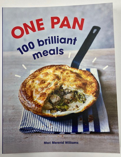 One Pan Cooking by Mari Mererid Willia